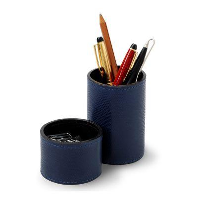 Conjunto de porta-lápis e clipes redondo em couro azul.