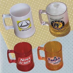 Brindes Ponto A - Caneca para chopp confeccionada em acr�lico branco ou cristal em diversas cores com capacidade de at� 500 ml. O brinde ideal para promover a sua marca...