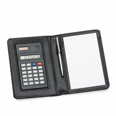 Qualy Brindes - Porta bloco de anotações com caneta e calculadora, capa de couro sintético, nas medidas: 14,8cm X 10,5cm