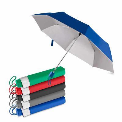 qualy-brindes - Guarda-chuva com cabo plástico e haste de metal, com capa protetora, abertura manual, tecido poliéster, com oito varetas.