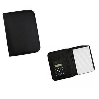 Qualy Brindes - Bloco de anotações, capa de couro sintético, calculadora e caneta. 17x23cm. Personalização em Tampografia, Hot stamp ou baixo relevo