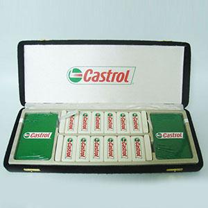 Qualy Brindes - Jogo de baralho duplo, dominó e caixa de madeira com personalização