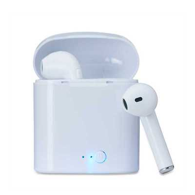 - Fone bluetooth plástico com case carregador. Para utilização do produto, pressione e segure o botão lateral de algum dos fones para ligá-lo e em segui...
