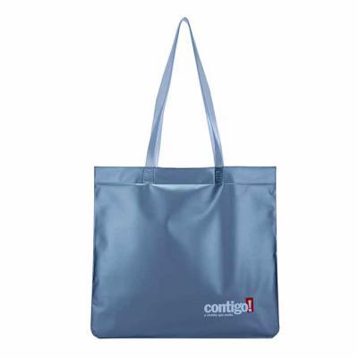 PVChic - Utilíssima sacola, fabricada em PVC macio, que ao ser inflada, torna-se uma agradável almofada de cabeça. Excelente brinde para o verão, seus clientes...