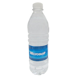by-luciana-godoy - Garrafa de água mineral