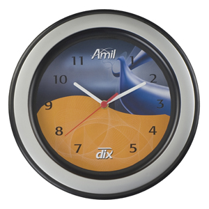 Relógio redondo com aro decorativo, com 30 cm de diâmetro.