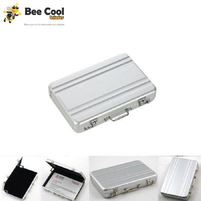 Bee Cool Brindes - Porta cartão maleta