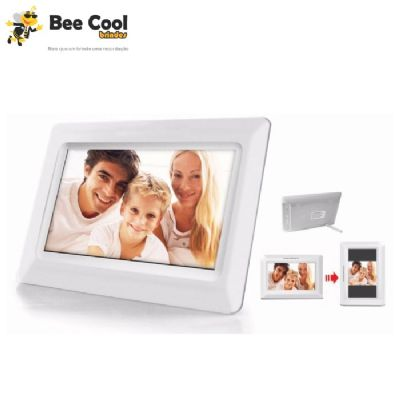 Bee Cool Brindes - Porta retrato digital 7'