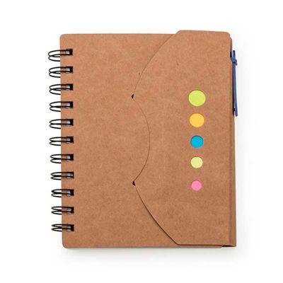 """Line Brindes - Bloco de anotações ecológico com caneta e sticky notes. Bloco com fechamento lateral tipo """"envelope'' e com espiral preto lateral. Possui cinco furos..."""