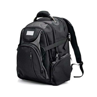 - Confeccionada em polyester 600D/1680D, possui alça de mão reforçada com cabo de aço e PVC, alças para as costas ajustáveis e tira peitoral com fivela...