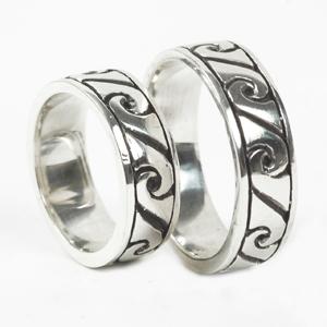 Roxy Brindes - Anéis de prata