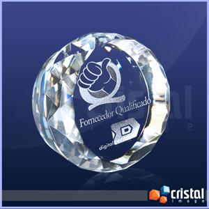 cristal-image - Peça personalizada em cristal óptico 100% transparente, com formato e acabamento bisotado nas laterais.