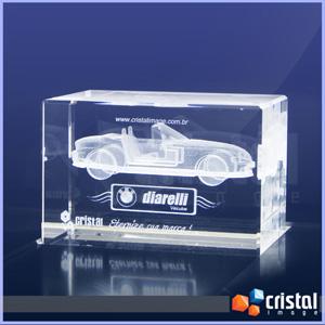 Cristal Image - Bloco Personalizado em Cristal com gravação interna a laser. Pode ser gravado em 2D ou 3D, na posição horizontal ou vertical. Medidas: 60 X 60 X 90 mm...