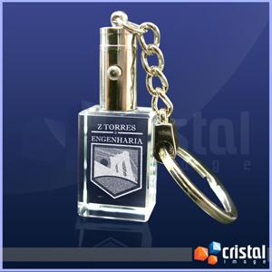 Cristal Image - Chaveiro Personalizado em Cristal, com gravação a laser no interior da peça. Verificar disponibilidade de LED. Medidas: 15 X 20 X 30 mm.