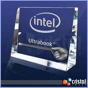 Bloco / Placa Personalizado em Cristal 100% transparente, com gravação laser 2D ou 3D no interior da peça. - Cristal Image