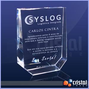 Bloco / Placa Personalizado em Cristal 100% transparente, com gravação a laser 2D ou 3D no interior da peça. - Cristal Image