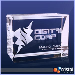 Bloco personalizado em cristal, com gravação a laser interna 2D ou 3D. Pode ser gravado na posição horizontal ou vertical. - Cristal Image