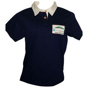 stantex-solucoes-texteis - Camisa polo em algodão com detalhes na gola e bordado personalizado.
