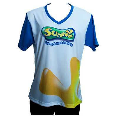 Camiseta em helanca light com impressão sublimática.