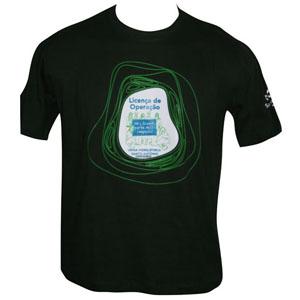 Camiseta de algodão com gravação personalizada.