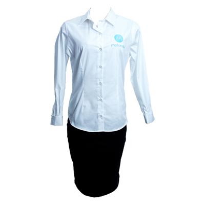 Stantex Soluções Têxteis - Camisa social em tricoline bordada e saia em Two Way.