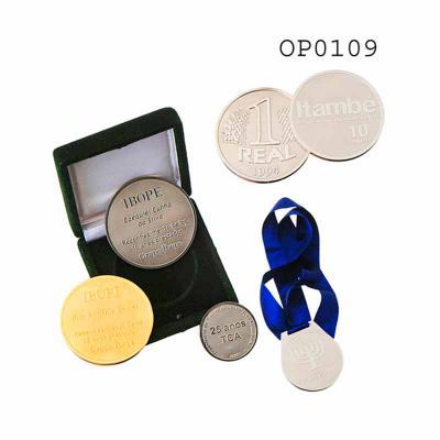 Medalhas e Pins - Obra Prima Oficina de Arte