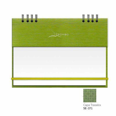 """RISQUE & RABISQUE - MODELO 904 - CAPA A1 ÍNDIA - Capa com base em papel, com textura (tecido Shantung: aspecto de pequenos """"arranhões""""). - Capa diante... - POMBO"""