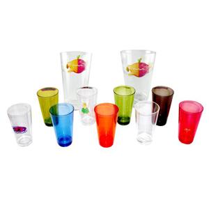 - Copos para brindes, modelo em acrílico ou plástico, não descartável com excelente qualidade, em diversas cores e tamanhos, personalizados em silkscree...