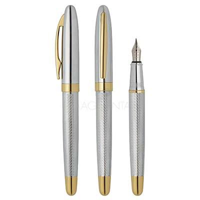 maggenta-produtos-promocionais - Caneta tinteiro de metal prata/dourada, em material de alta qualidade, escrita confortável. Ideal para ambientes de trabalho