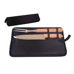 Maggenta  Produtos Promocionais - Kit churrasco com faca e garfo, cabo de madeira e estojo personalizado. Um kit personalizado para churrasqueiros de bom gosto!