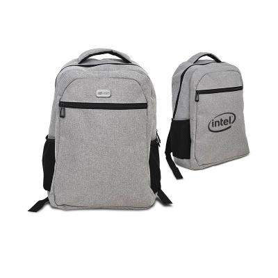 - Mochila para notebook personalizada em nylon sintético simulando tecido, possui bolso frontal, 2 bolsos laterais para porta objetos, alças almofadadas...