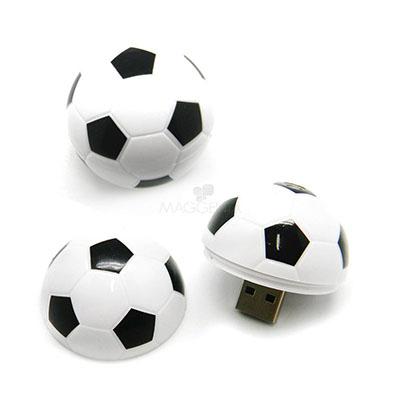 maggenta-produtos-promocionais - Pendrive personalizado com o formato de bola.