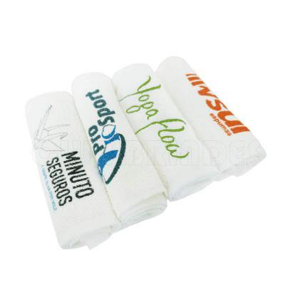 Toalha Fitness, 100% algodão. Disponível em várias cores. Gravação da Logomarca em 1 cor Silk já incluso.  Tamanho Aprox:  70 x 20 cm - Club Brindes