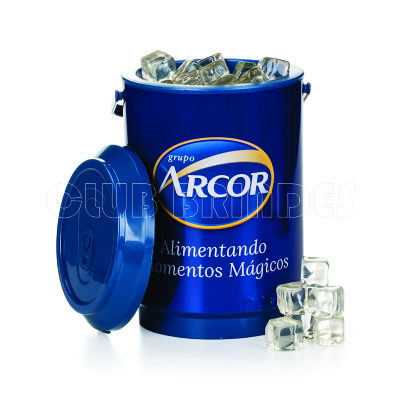 Club Brindes - Cooler térmico promocional com capacidade para 06 ou 10 latas.