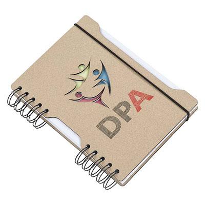Agenda diária capa em cartão com logotipo vazado a laser, recorte lateral, fechamento elástico, embalagem caixa cartão branco