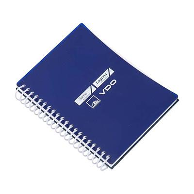 Caderno Capa de acrilico e recorte lateral, embalagem em caixa de cartão branco