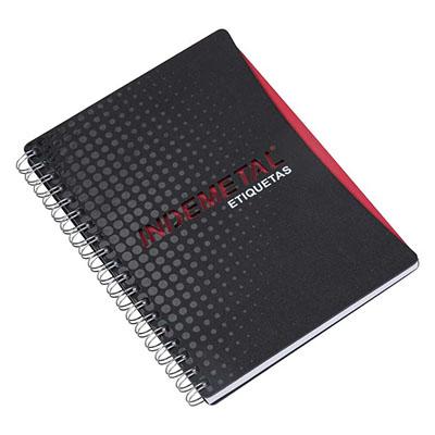 Caderno Capa em cartão revestido com Papéis Especiais, logotipo vazado a laser, embalagem em caixa de cartão branco, recorte lateral
