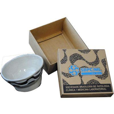 Caixa cartonada em cartão kraft com impressão em silk. - Craft House Brasil