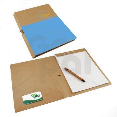 Pasta em cartão Kraft com 1 bolsa + bloco + porta-caneta + porta-cartão - Craft House Brasil