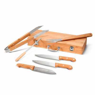 Kit churrasco. Aço inox e bambu. 6 peças em estojo de bambu. Food grade.  Estojo: 455 x 160 x 65 mm - Nexo Brindes