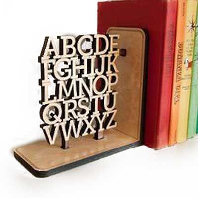 Nexo Brindes - Escoro de livro de madeira