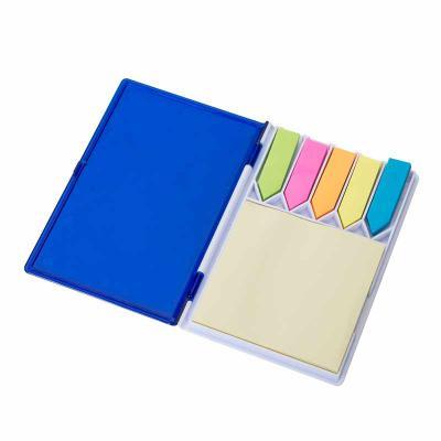 Bloco de anotações com sticky-notes material em plástico resistente, aproximadamente 100 páginas. Disponível nas cores azul, vermelho e preto. Gravaçã... - MDM Brindes