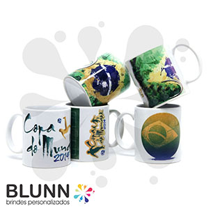 Caneca de cerâmica de 300 ml, permitindo a utilização de fotos e a personalização unitária ou em quantidade. - Blunn