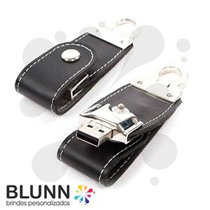 Blunn - Pen-drive em couro sintético com detalhes em metal