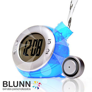Relógio ecológico de plástico resistente, movido à água - Blunn