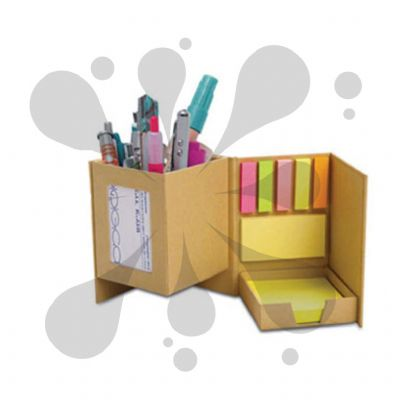 Porta-caneta e bloco de notas com sticky notes