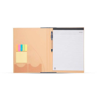 Bloco de anotação com sticky notes e caneta