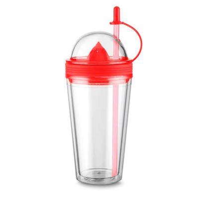 Brindez Brindes Promocionais - Copo plástico 500ml com espremedor de frutas. Acompanha tampa rosqueável para o espremedor com suporte plástico para tampar o canudo; espremedor color...