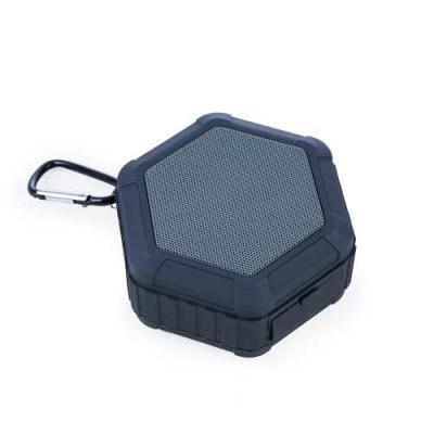Caixinha de som multifunções à prova d'água. Material plástico, possui tela de proteção do falant...