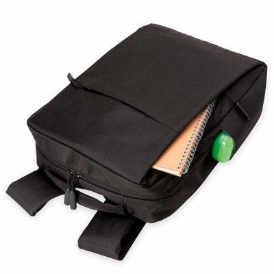 Mochila de nylon com compartimento principal com bolso para notebook 15.6 polegadas, contém: divi...